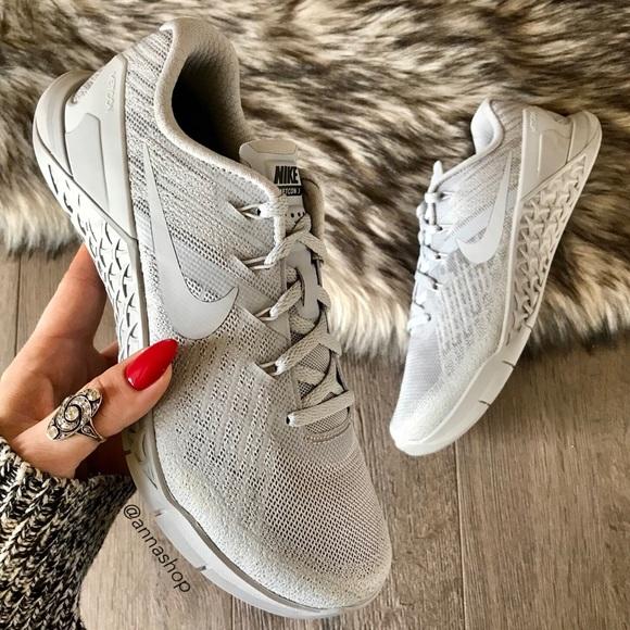 le scarpe nike nwt id personalizzato metcon 3 triple grey poshmark